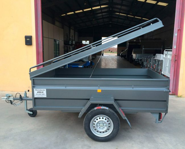 emolque-con-tapa-metalica-750-kg-1