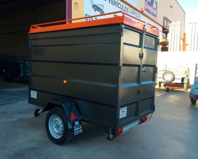 Remolque-furgon-cerrado-con-tapa-metalica-+-techo-elevable---REMOLQUES-AYALA--